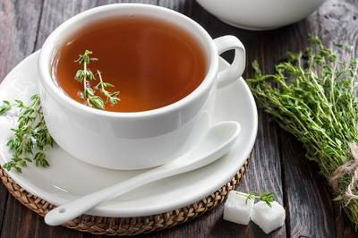 5 Beneficios de una simple  Infusión de Tomillo